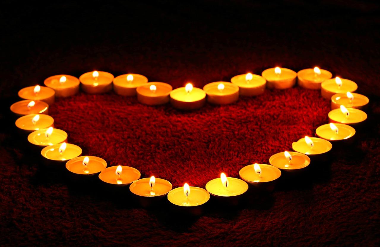 serce z świeczek