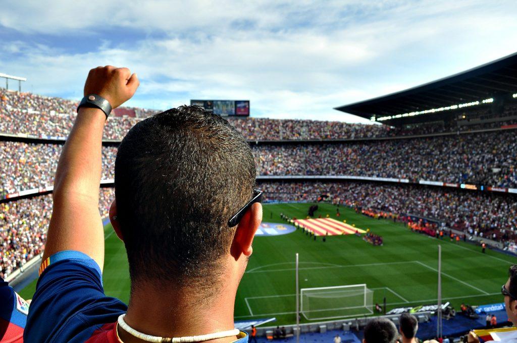 Kibic na meczu w Barcelonie